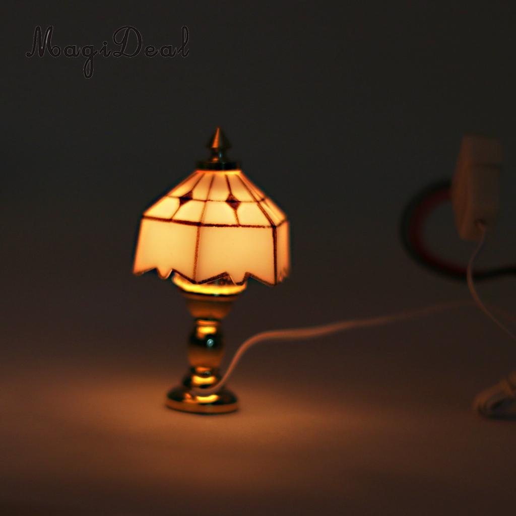 MagiDeal 1 шт. металлическая 1:12 кукольный домик миниатюрная настольная лампа для кукол гостиная спальня комната коробка дом модель Декор Игрушка 12 В Кукольные дома      АлиЭкспресс