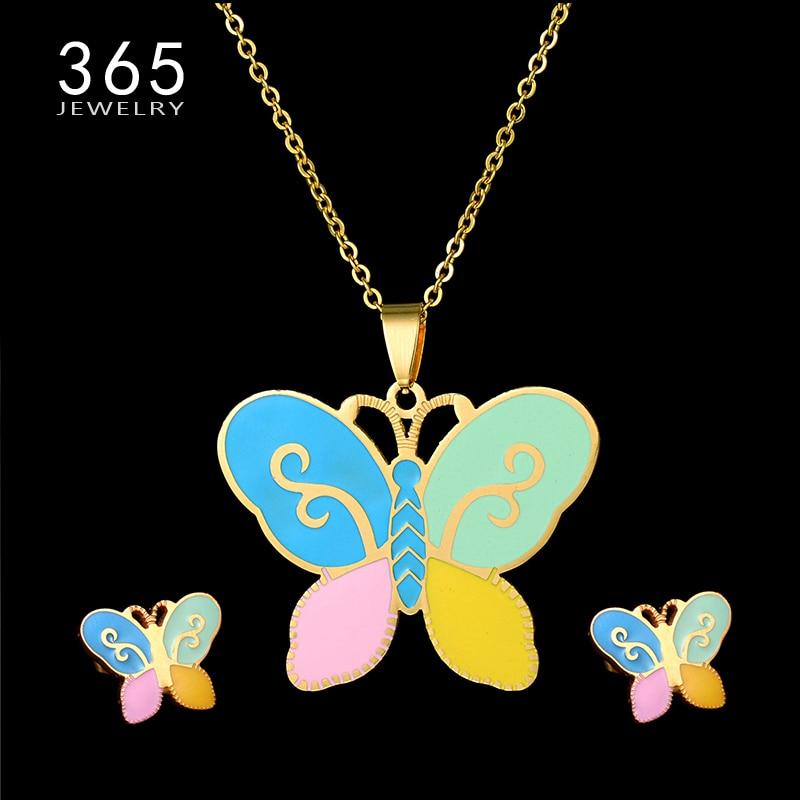 369146e9ccc7 Moda niños joyería Set oro color Cadena de acero inoxidable mariposa de la  historieta Pendientes y collar de joyería animal de las mujeres