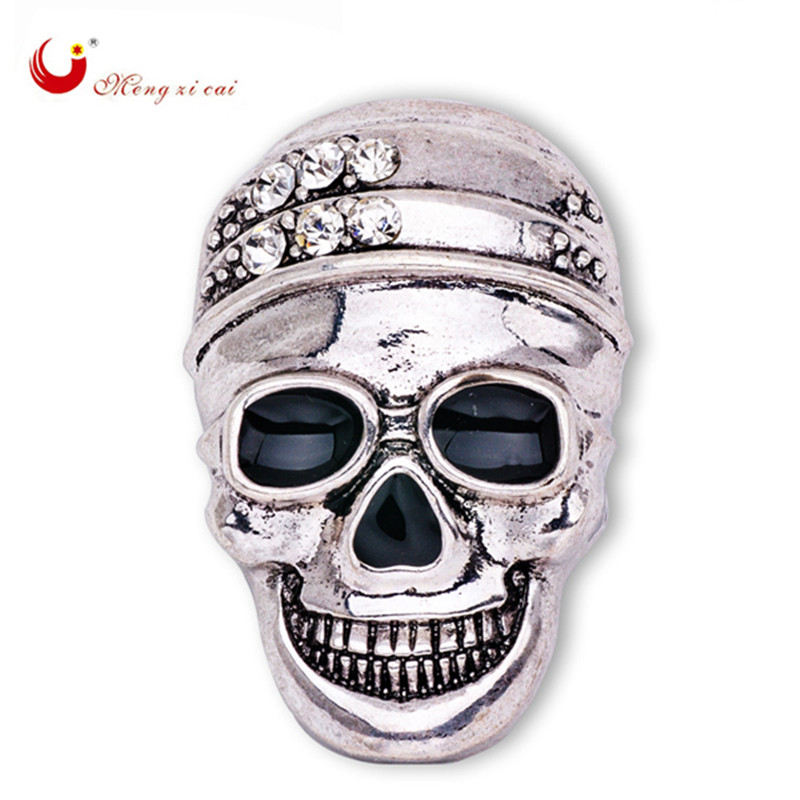 Exquisite Rhinestone Inlay Head Skull Brooch Homme Crystal Jewelry Female Carved Smiling Face Skull Broach HalloweenX1523
