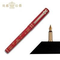 Yeni Kırmızı Dolma Kalem ile Kelimeler