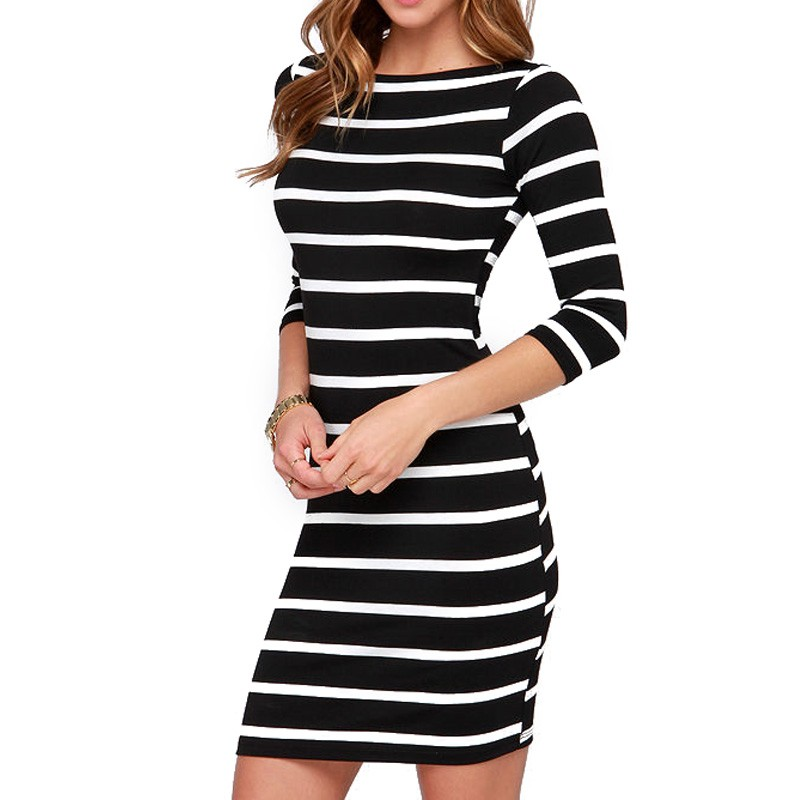 Моднон черно-белое и бело-черные платья, рукав три четверти фото