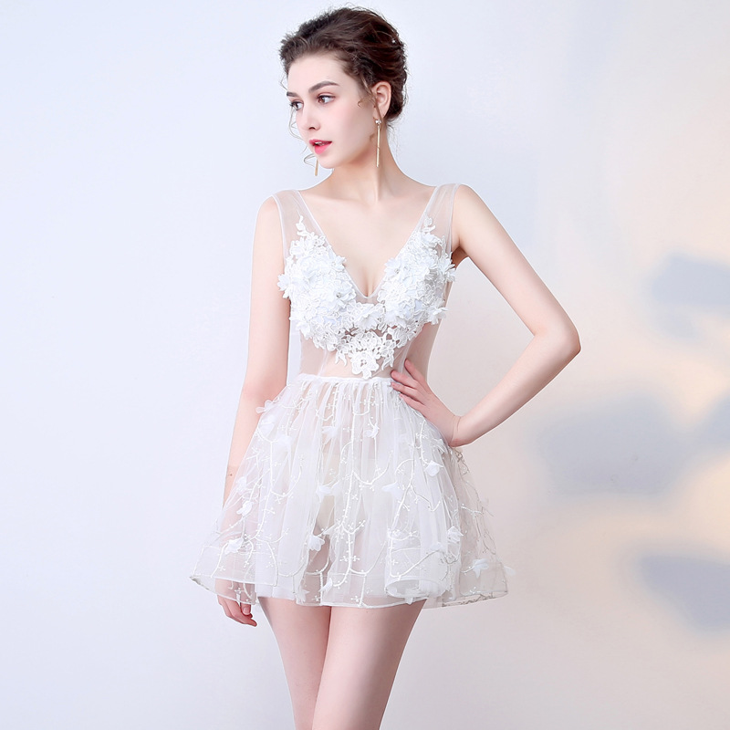 It's YiiYa 2018 V- Neck Sleeveless   Cocktail     Dresses   Knee-Length Backless Flower Lace Formal   Dress   Party Gowns BX007