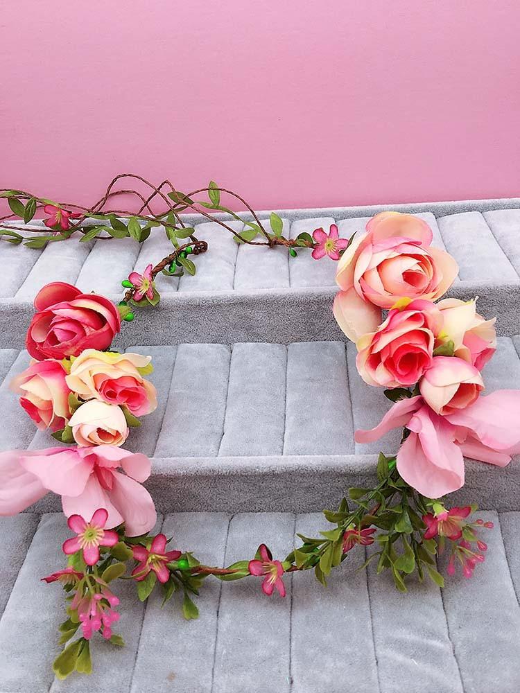 Juustesse punutavad lilled