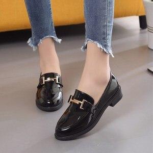 Image 2 - Pompen Vrouw Muilezels Schoenen Klassieke Merk Vrouwen Hoge Hakken 2019 Zomer Koreaanse Mode Pu Leer Werk Dames Schoen Chaussure Femme