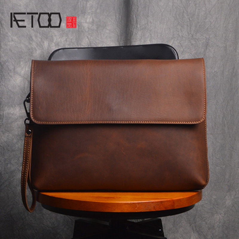AETOO Original vintage handmade leather shoulder bag messenger bag man retro handmade ipad first layer leather youth bag aetoo original new handmade first layer leather bag messenger bag shoulder leather buckle retro bag packet