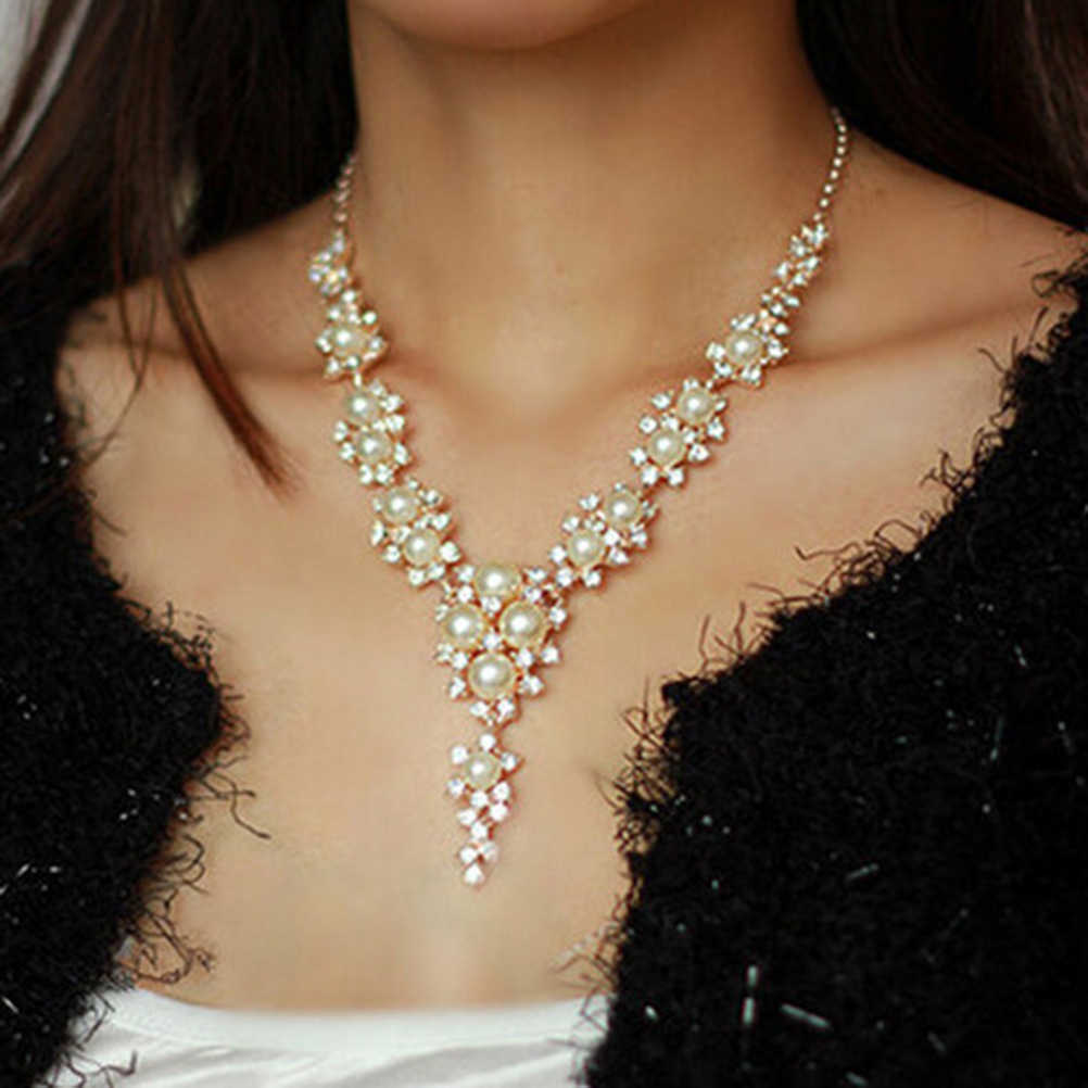 39221a8fcc7 Women's Brilliant Crystal Pearl Necklace Charms Pendant Chain Necklace