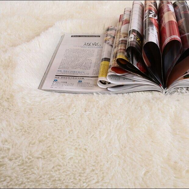 Nova 1 Pcs Sala De Estar Tapete 150x120 Cm Tapetes Fluff 4.5 Cm Cama  Cobertores Banho Piso Capacho Modern Seda Tapetes Quarto Livre Grátis