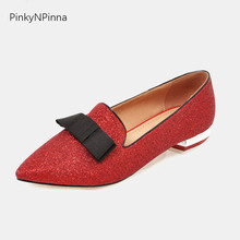 купить women shoes summer 2019 flats slip on glitter red sliver loafers casual metallic chunk heels pointed toe knot ladies large size по цене 1579.95 рублей