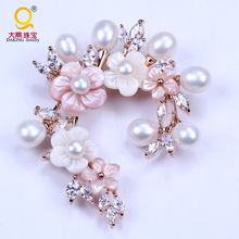 Daking exclusive design sparkling rhinestone wintersweet  brooch freshwater pearl jewelry for wedding bridal brooch
