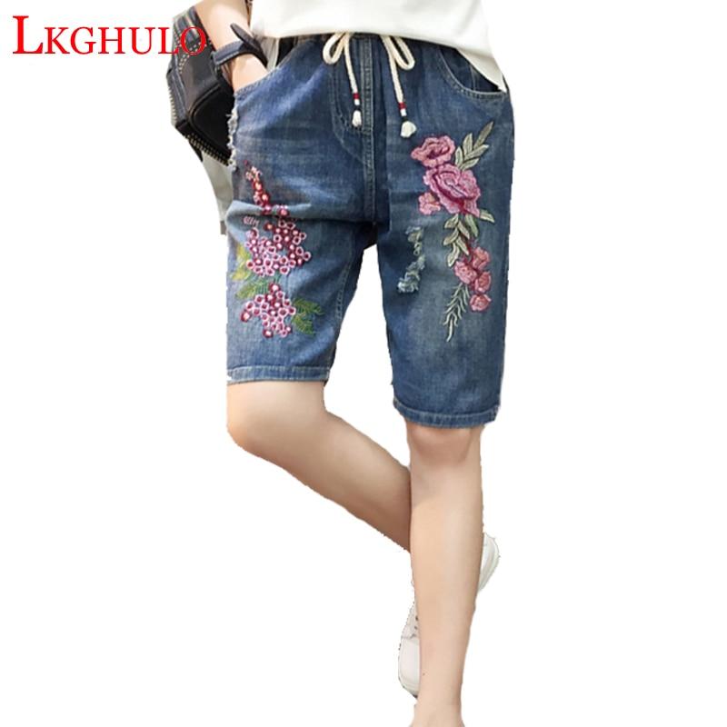 Синий с цветочной вышивкой джинсовые Капри Для женщин 2018 летние Повседневное с эластичной резинкой на талии по колено джинсовые широкие брюки Большие джинсы A736