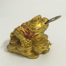 Golden Feng Shui Lucky Gifts Chinese Coin Three Legged Toad Frog Animal Statue Sculptures Man-made Jade Stone Home Decoration(China)