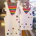 2017 лето мать дочь соответствия одежды из двух частей платье платья радуга бинты жилет + белые джинсовые платья девочка платье