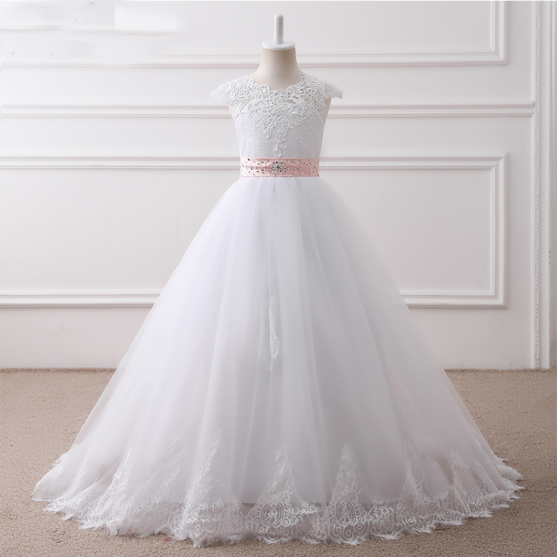 2018 Sleeveless Ball Gown Long Flower Girl Dresses Princess White Tulle Lace Girl Dresses Ivory Mother Daughter Dresses For Girl