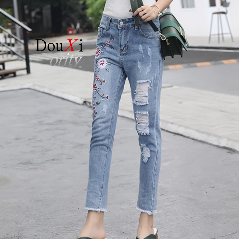 2017 Embroidery Flower Jeans Women Pants Fitted Spring High Wait Denim Button Fly Pencil Pant Casual Daily Femme Trouser