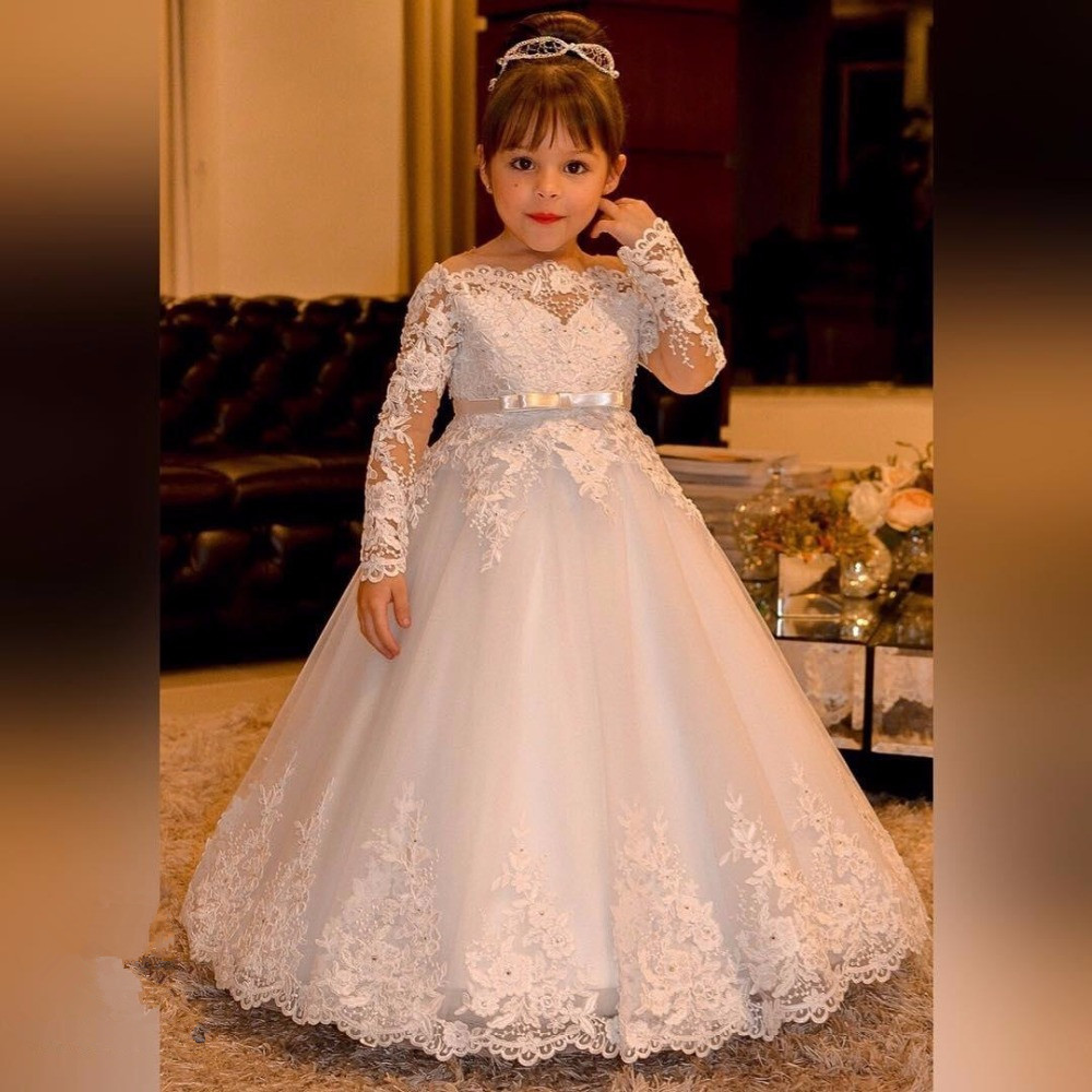 Elegant Princess Flower Girls Dresses for Weddings Lace Long Sleeve Boat Neck Vintage Girl Pageant Gowns