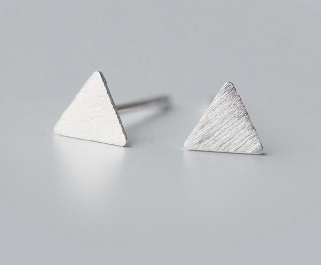 Minimalist Style Geometric Jewelry Women's Real. 925 Sterling Silver Matt Triangle Pyramid stud earrings boucles d'oreilles E720