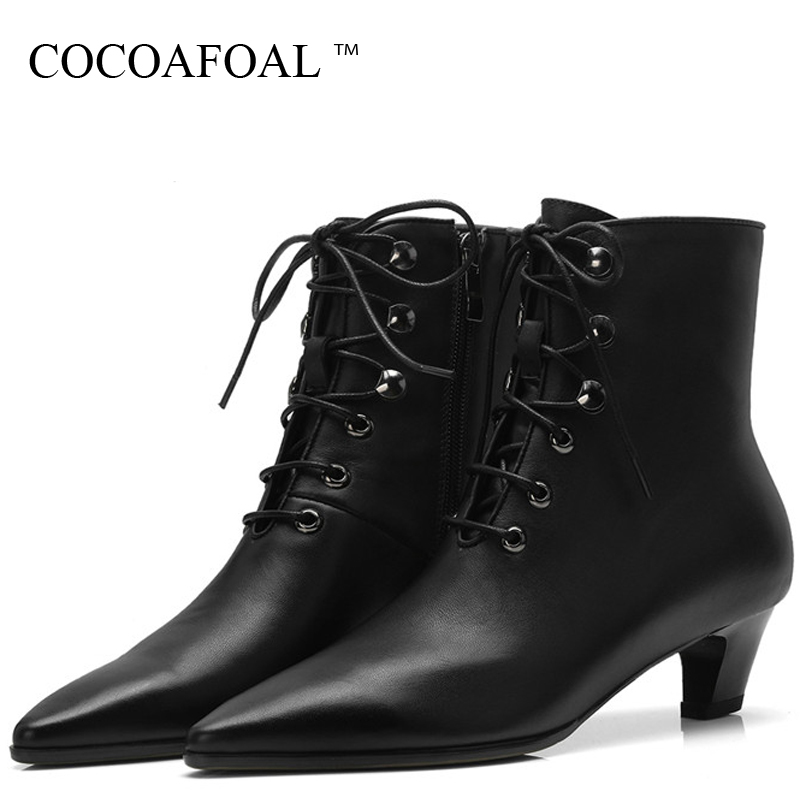 купить COCOAFOAL Autumn Winter Women's Genuine Leather Martin Boots Woman Lace Up Shoes Ankle Boots Genuine Leather Chelsea Boots Black недорого