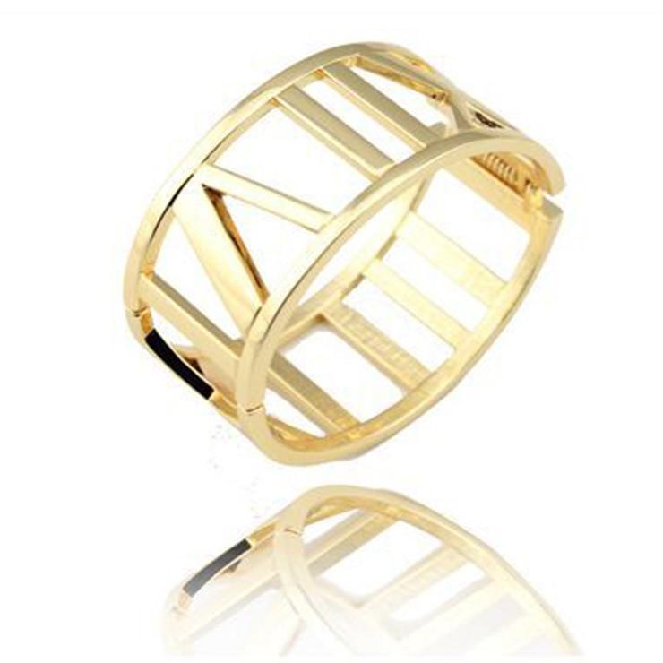 Fashion Accessories Wholesale Titanium gold color Bracelets for women Fashionista Exaggerated Hollow Bracelets bangles