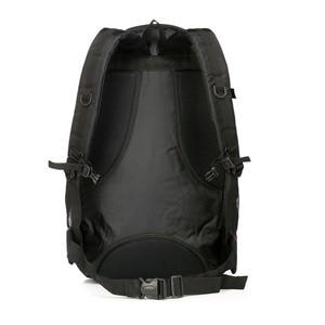 Image 4 - Chuwanglin nouveaux magasins mode chaude hommes sac à dos unisexe en nylon sac de voyage étanche 60L grande capacité sacs pour ordinateur portable S70