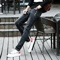 Caliente la Venta de Primavera Para Hombre de Corea Del Diseñador Negro Skinny Jeans Punk Fresco Ligh Lavado Súper Cadena Flaco Pantalones Para Hombre