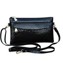 KANDRA Imitation Croc Embossed Leather Every Day Clutches Women Crossbody Bag Removable Chain Strap Alligator Purse Mother's Day