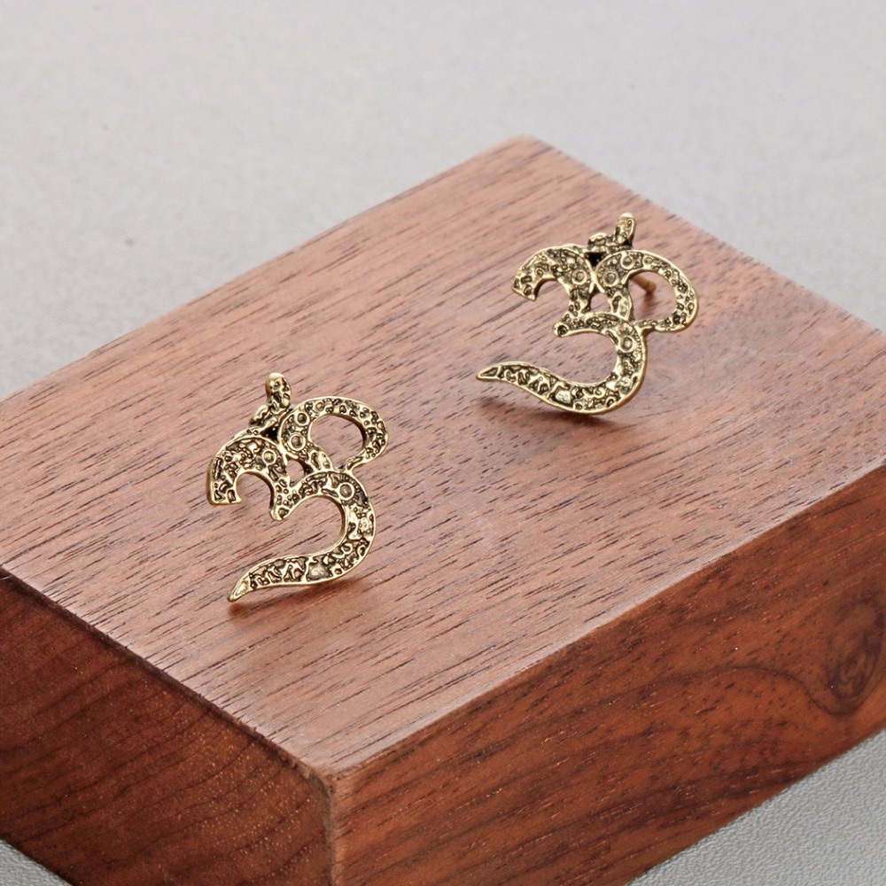 Women's Om Stud Earrings 2
