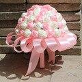 Дешевые искусственный розовые розы шелковый букет невесты жемчуг кристалл свадебный букет аксессуары невесты брошь невеста держит цветок