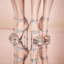 2018 Summer Star Style Piste Cristal Sandales Femmes Argent Noir Étoiles  Cristal Haute Talons Chaussures Lady Pompes De Mariage . 033b68eaa171