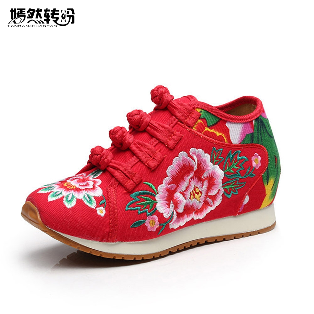 Vintage Women Shoes Chinese Old BeiJing Tourism Embroidered Floral Singles Walk Dance Canvas Shoes Woman Size 34-40 women flats summer new old beijing embroidery shoes chinese national embroidered canvas soft women s singles dance ballet shoes