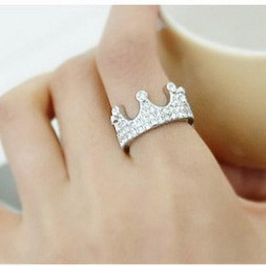 Anillos de plata con forma de corona