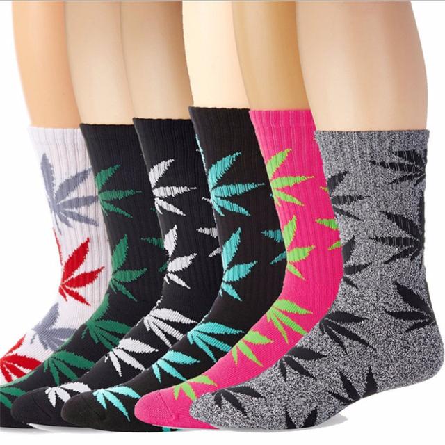 Fashion 1Pair Comfortable High Quality Cotton Socks Marijuana Leaf Maple Leaf Casual Long Weed Crew Sock Autumn Winter