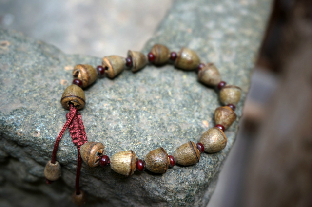 Eucalyptus Seeds Tibetan Buddhist Prayer Beads Mala Buddha Bracelet Rosary Wooden Bangle Jewelry
