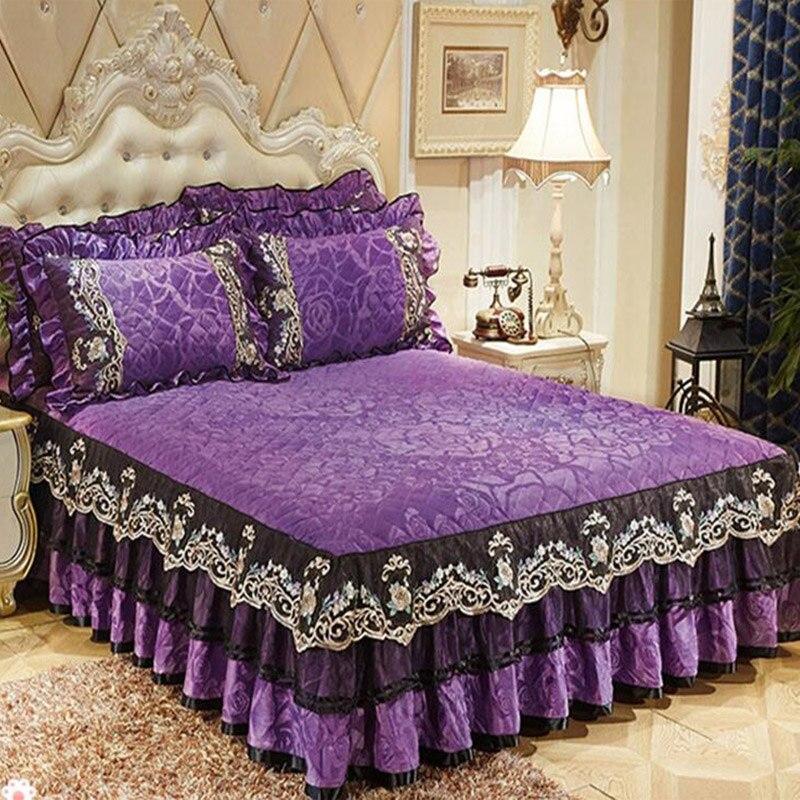Livraison rapide polaire velours 3 pièces épais dentelle couvre-lits Euro style velours jupe drap de lit et couvre-lit de ensemble de taies d'oreiller qualité
