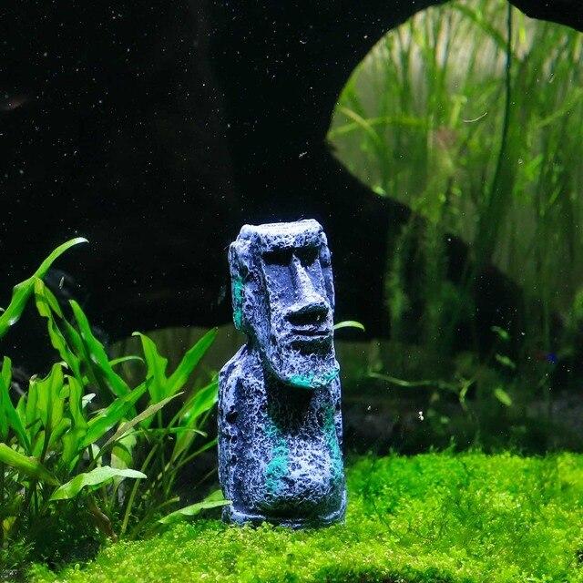 Socha z Velikonočního ostrova do akvária -