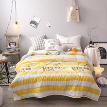 Perfect Yellow White Color Stripe Summer Cute Bee Print Coverlet