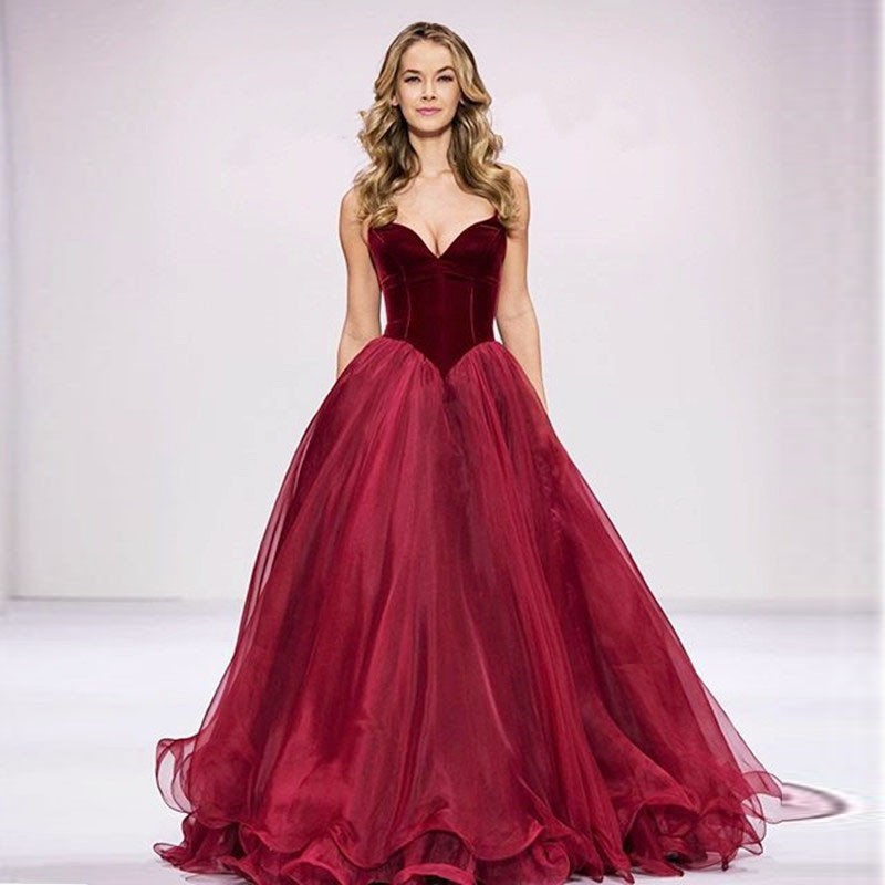 2017 New Simple Burgundy Vintage Wedding Dresses Basque