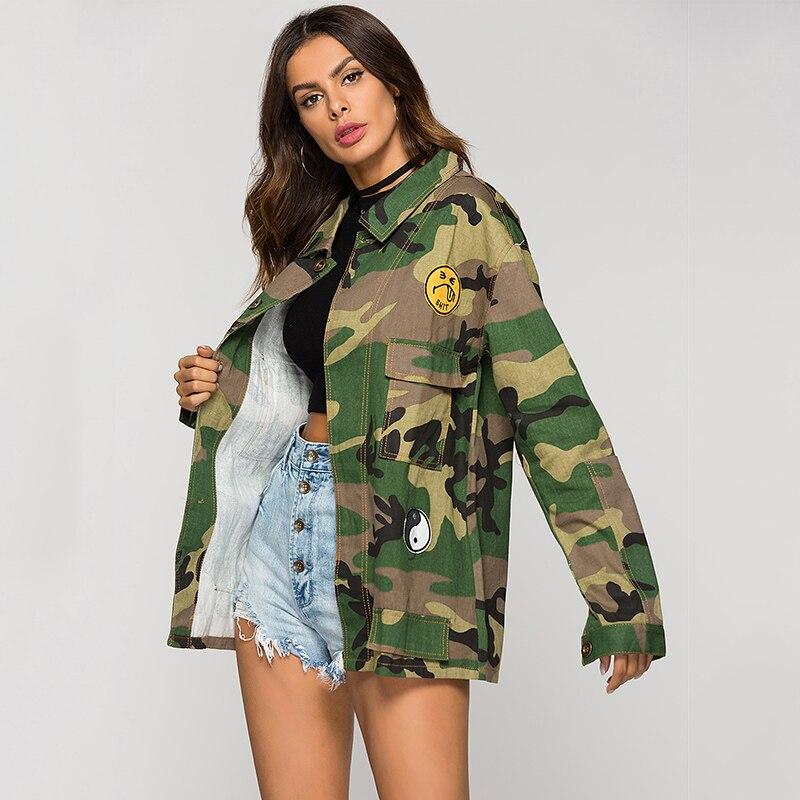 ESCALIER De Mode Armée Vert Imprimé Camouflage Veste Chaquetas Mujer Femmes  patchwork Denim Printemps Automne Large taille de Veste dans Vestes de base  de ... f52fde66f189