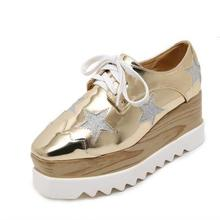 Femmes Plate-Forme Chaussures Oxfords Richelieu En Cuir Verni Appartements Lace Up Chaussures Creepers Vintage De Luxe Lumière semelles Casual Chaussures D'or