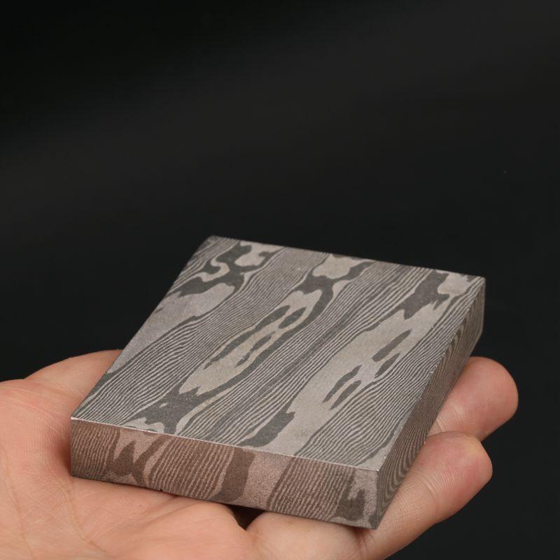 Barre de billette en acier damas 11mm épaisseur bijoux boucle anneaux montre faisant l'offre modèle de torsion en acier inoxydable HRC18