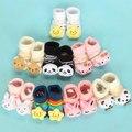 Un par de los bebés recién nacidos antideslizante 0-9Month algodón animales lindos de la historieta, calcetines lindos niños y niñas unisex zapatillas calcetín antideslizante