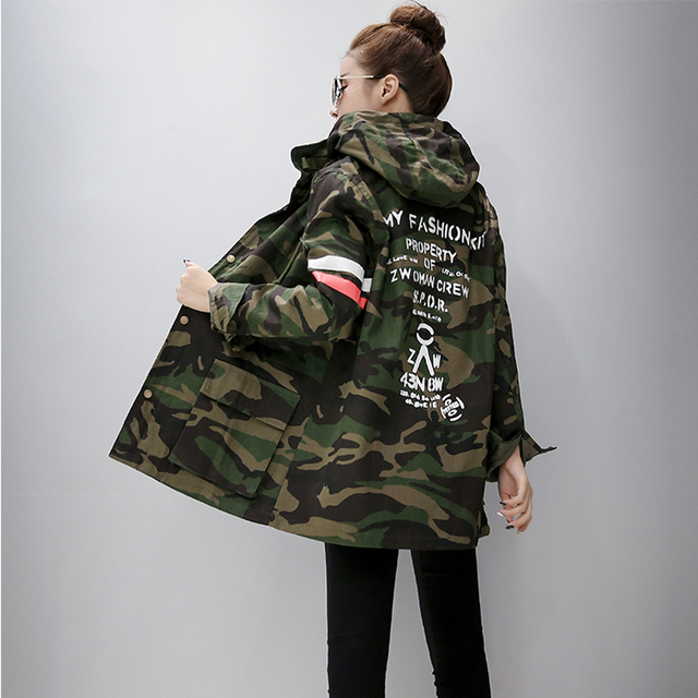 Harajuku Corea Niñas Estudiante Camuflaje Larga Sección cazadora Con Capucha Trench Coat Casual Graffiti vestido Prendas de Vestir Exteriores Femenina