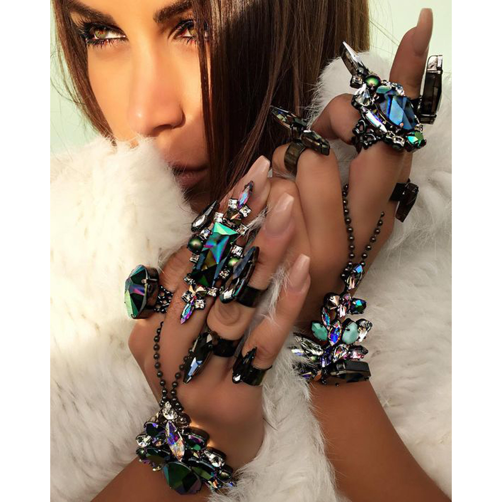 2017 Fashion Women Finger Bracelet Pulseras Bohemian Gypsy Beach Charm Handle Gem Maxi Crystal Hand Chain Bracelet Bangle