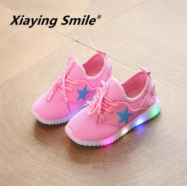 58c9316c9a2 Jongens-Meisjes-Lichtgevende-LED-Schoenen-Kinderen-Flats-Kid-Schoenen -Ster-Fashion-Casual-Lace-Up-Mesh-Student.jpg_640x640.jpg