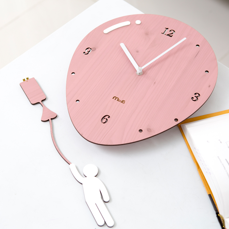 Swing Balloon Wall Clock 1