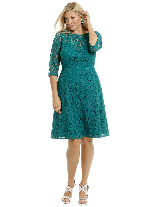 2016 A Line Green Lace Modest Plus Size Bridesmaid Dresses With Half
