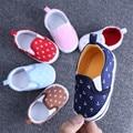 Primavera Niña recién nacida 2017 Lindo Bebés Niño Niños Niñas Zapatos de Lona de Los Zapatos del Pesebre Zapatos de Prewalker Nuevo Bebé Moccs de Anclaje
