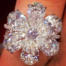 2019 New Fashion Clear Zircon Flower Rings for Women Wedding Promise Silver Color Jewelry Ladies Gifts