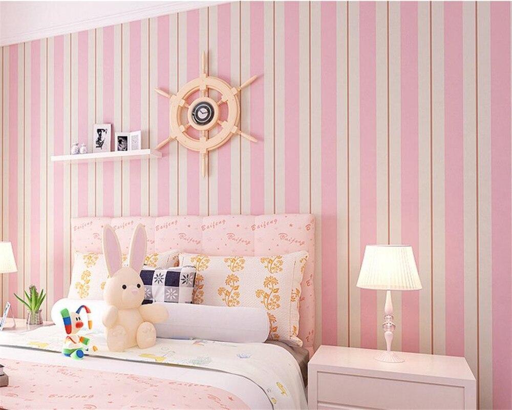Kamar Tidur Dengan Desain Dinding Garis-garis   Desain ...