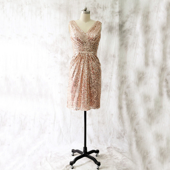 Short Bridesmaid Dresses 2019 Sparkly Champagne Sequined Sheath V Neck Cheap Wedding Party Gowns Hot Selling Maid Of Honor Dress фото