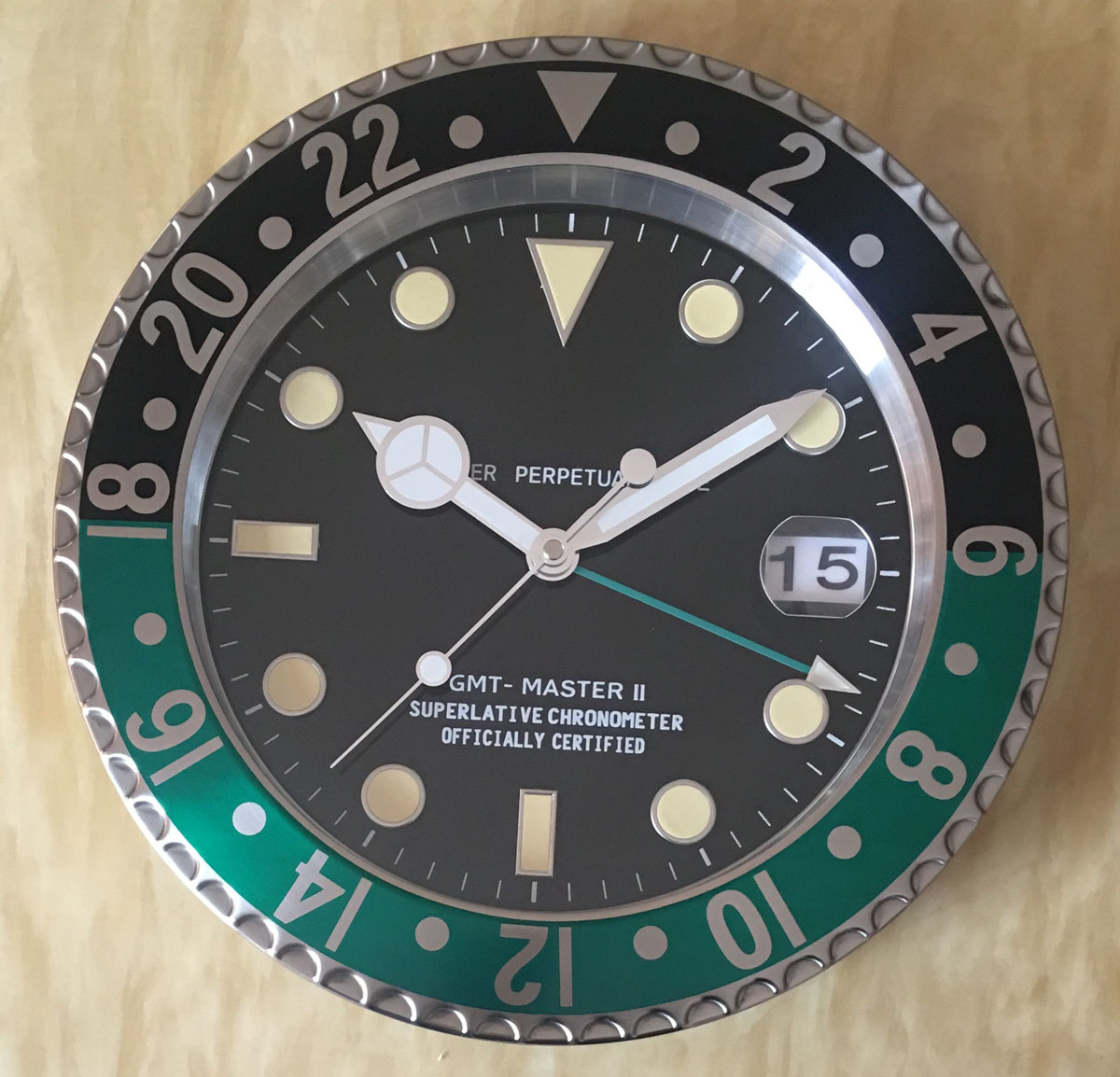 S & F Con Lente di Ingrandimento Vendita Al Dettaglio di Metallo Della Vigilanza di Figura Orologio Da Parete con Calendario di Lusso Orologio sul Muro - 5